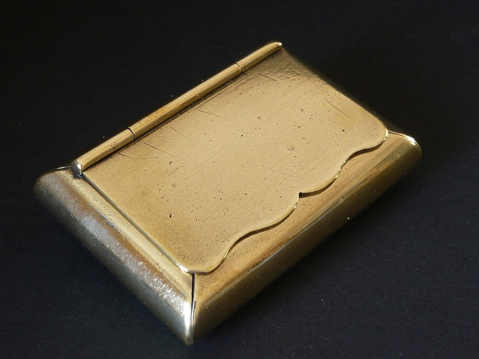 Snuffbox made of brass from England