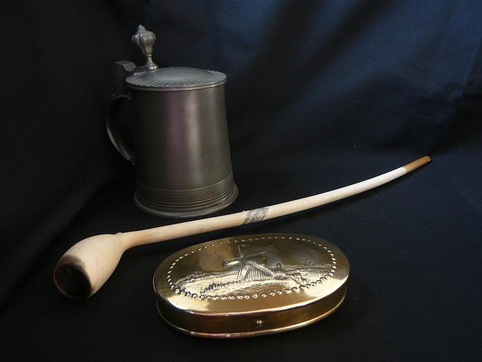 Smoke snuffbox made of brass