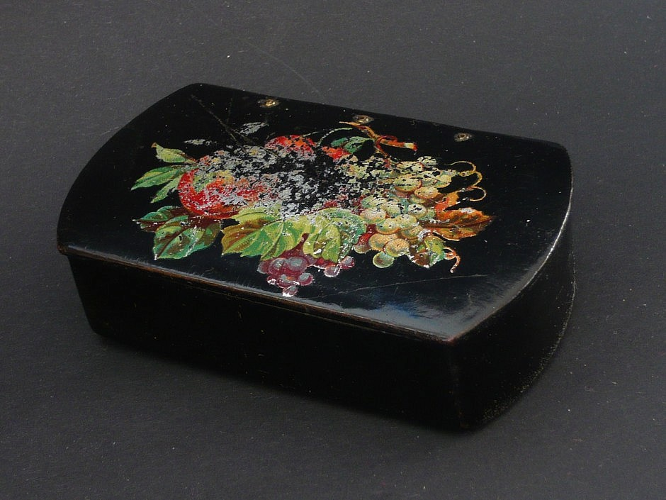 Snuffbox lacquered