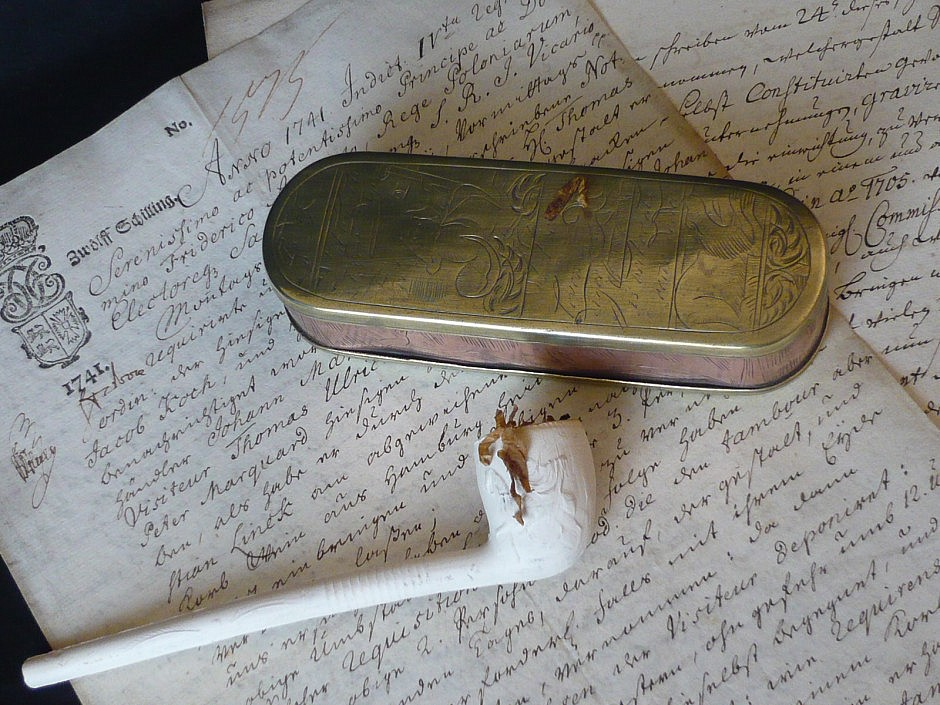 snuffbox for smoking tobacco